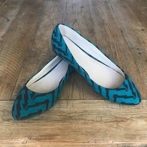Forever 21 Tribal Print Ballet Flats in Turquoise